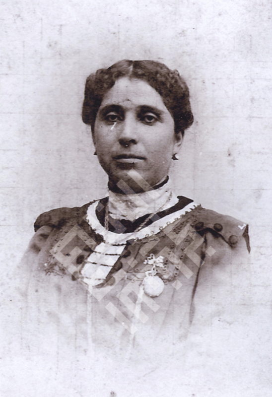 Raja_Khalifah_Gmother1_wm.jpg