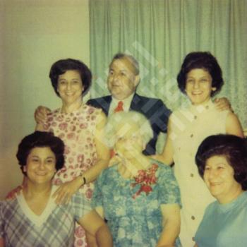 Findlen_unidentified group of people_wm.jpg