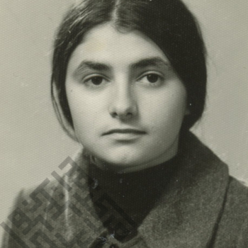 https://www.dropbox.com/s/zcuzclnp1s7upnb/Vera_Khayrallah_1976_wm.jpg