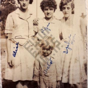 Safy children - 1929_wm.jpg