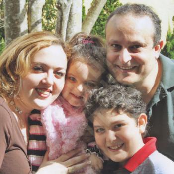 Wael-Abou_Chakra_Chakra_Family2009_wm.jpg