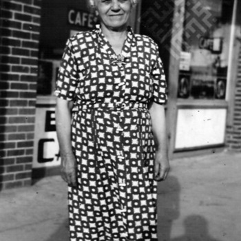 Carter Rabil_MARYFARFOURRABIL,ED'SCAFE,SMITHFIELD,NC,1951_wm.jpg