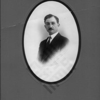 Salloum Mokarzel c 1935-wm.jpg