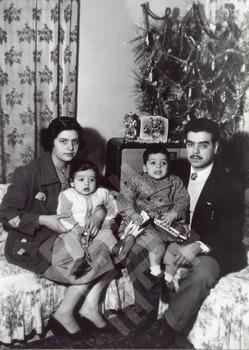 bracewell-family christmas-wm.jpg